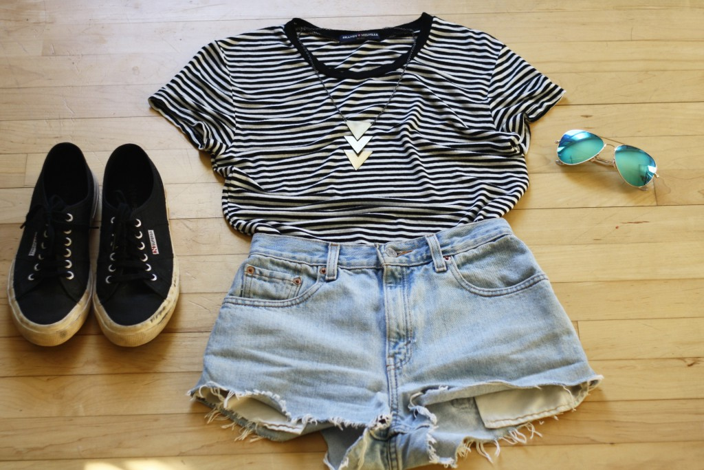 striped t-shirt simple outfit
